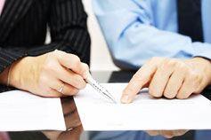 إدارة العقود: فهم وتطبيق الالتزامات التعاقدية
