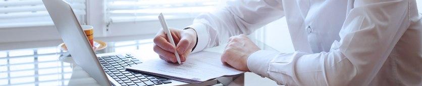 ورشة العمل المكثّفة في إدارة العقود  دورات تدريبية في