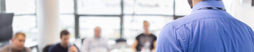إلحاق الموظف الجديد: تقنيات التعريف بالشركة والإرشاد الوظيفي  دورات تدريبية في دبي