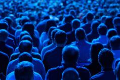 إدارة ومراقبة الحشود