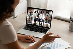 إشراك الموظفين: استراتيجيات لتعزيز مشاركة الموظفين العاملين في موقع العمل وعن بُعد - التعلّم الافتراضي