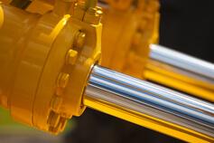 أنظمة طاقة الموائع: الخصائص الميكانيكية والهيدروليكية