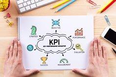 اتقان مقاييس نجاح المشروع ومؤشرات الأداء الرئيسية ولوحات التحكم
